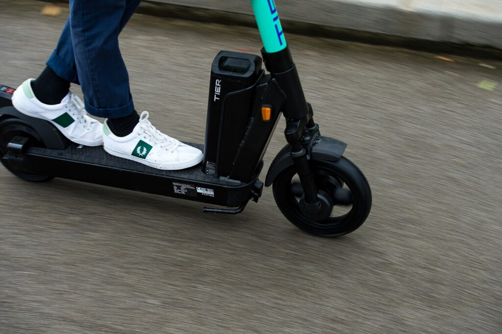 Tier Four e-scooter in motion