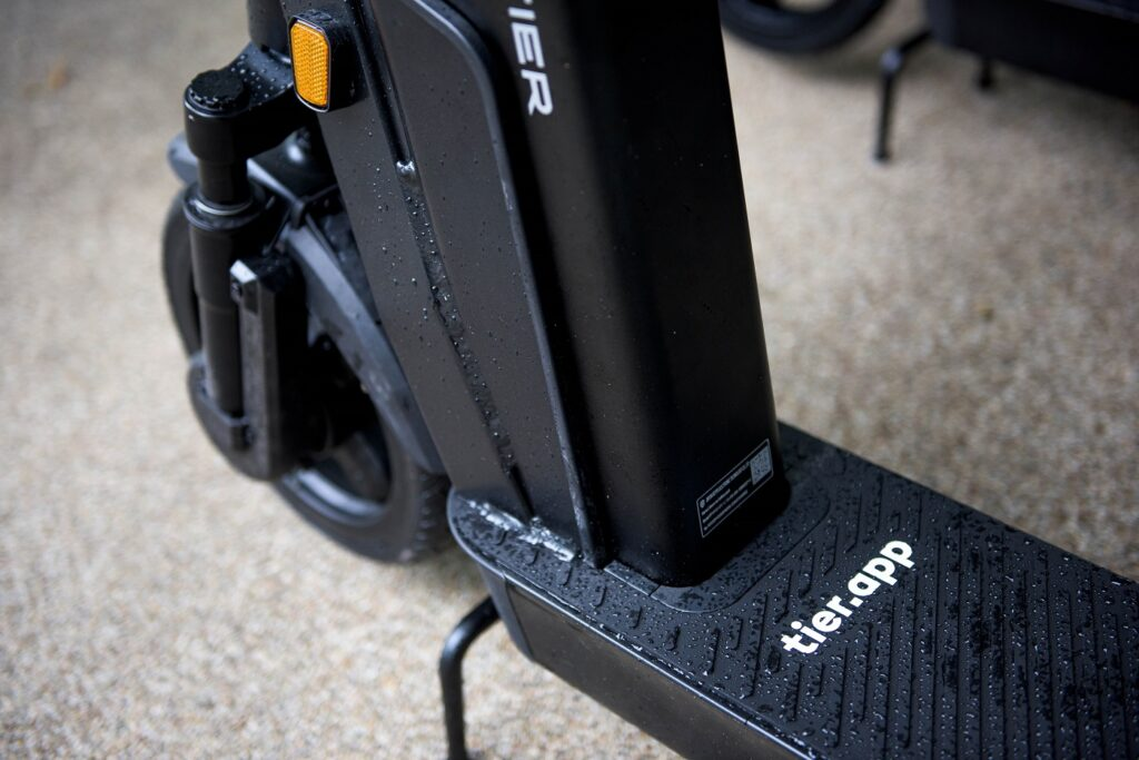 Tier Four e-scooter footplate