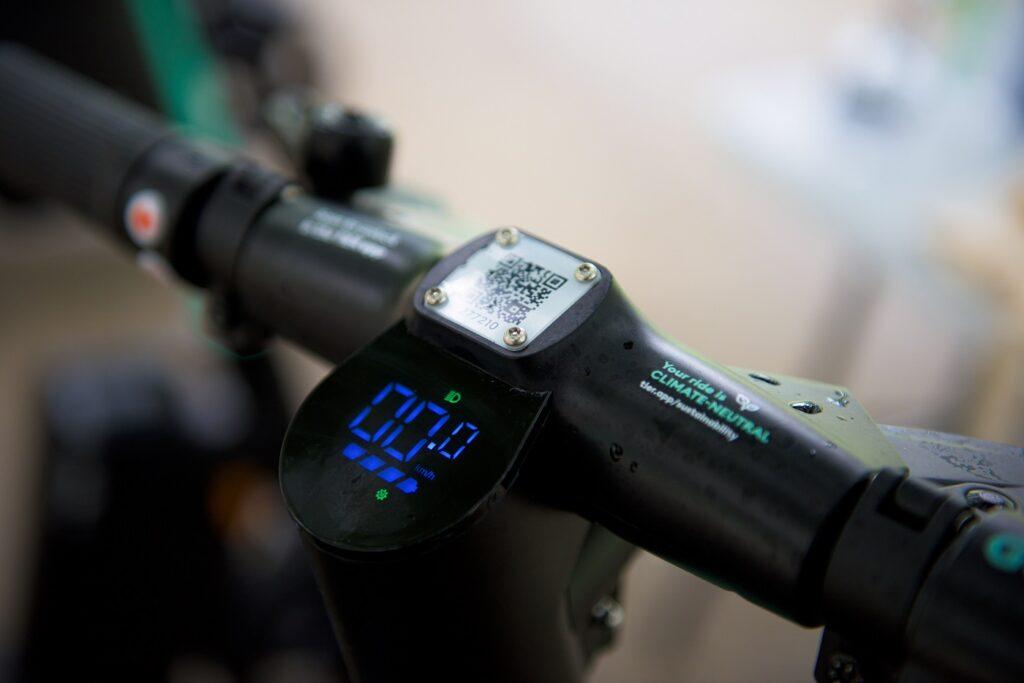 Tier Four e-scooter screen