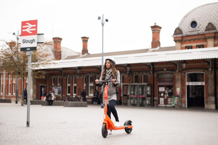 Neuron e-scooter in Slough