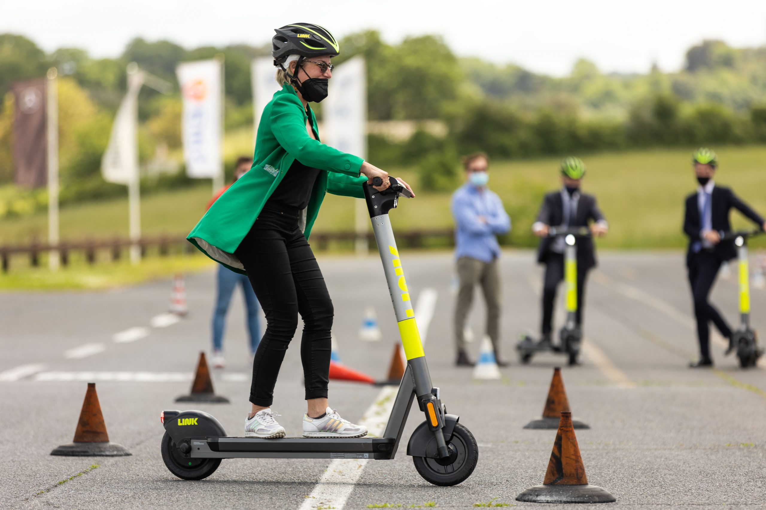 Superpedestrian partners with automotive club to launch e-scooter training course
